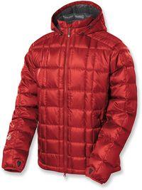 Gearflogger reviews the Sierra Designs Super Stratus down jacket