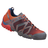 Gearflogger reviews the Garmont Sticky Cloud approach shoe