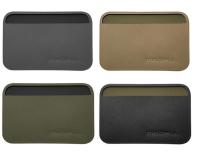Gearflogger reviews the Magpul Daka polymer wallet
