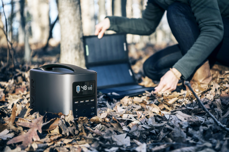Gearflogger reviews the EcoFlow River mobile power station