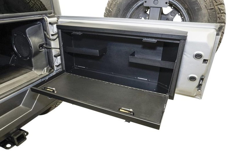 Gearflogger reviews the Tuffy Tailgate Lockbox for Jeep Wranglers