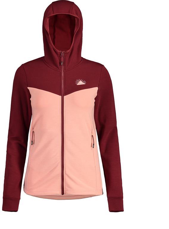 Gearflogger reviews the Maloja StailaM women's performance fleece jacket